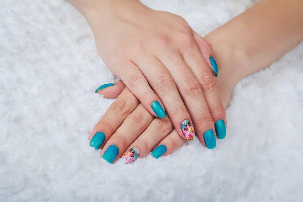 Nail salon 93101 | TLC Nail Lounge: Manicure